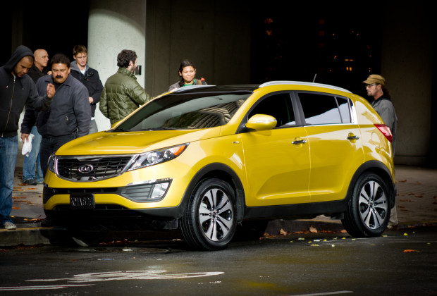 Kia_Sportage_2011_Yellow_Commercial_Shoot_in_San_Francisco_2010 12