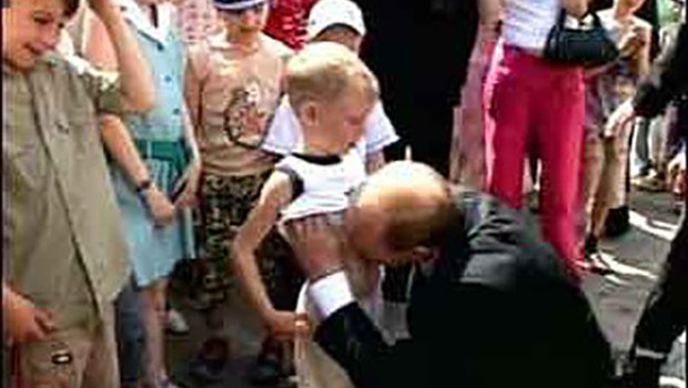 http://media.vocativ.com/photos/2013/10/putin_boy150481793.jpg
