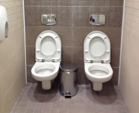 Russia Double Toilets 01