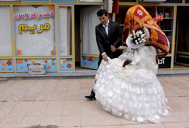 Iran, relationship, un-married couple