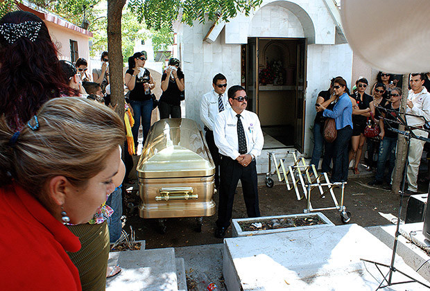 "The casket with the remains of Ignacio ""Nacho"" Coronel during his funeral at the Culiacan cemetery on August 03, 2010 in Culiacan, Sinaloa state, Mexico. Drug kingpin Ignacio Coronel Villarreal, a.k.a. Nacho Coronel, a key figure in Mexico's Sinaloa drug gang, was slain past July 29 as he tried to escape during an army raid outside the western city of Guadalajara."