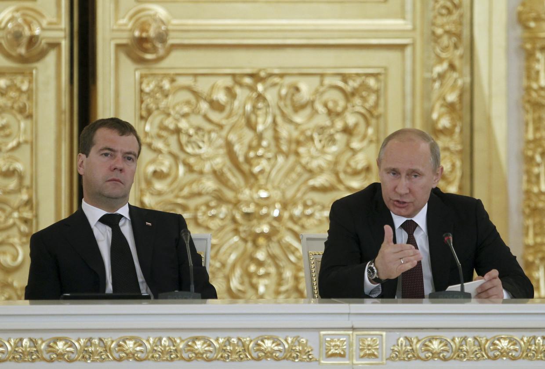 Η Ρωσία ξεκινά οικονομικά αντίποινα προς την Τουρκία - Απειλεί με ακύρωση του Turkish Stream