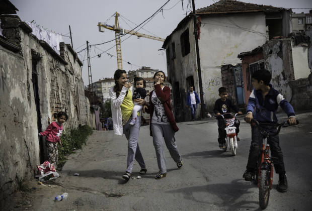 The Roma area of Sarigol, an Istanbul neighborhood adjacent to Vialand that is threatened by development projects. PHOTO BY JODI HILTON FOR VOCATIV