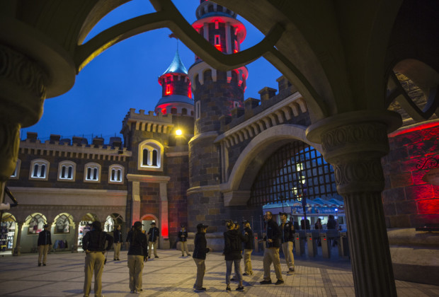 Employees bid farewell to guests as the park closes at Vialand. Vialand is Turkey's new 'Disneyland' attraction. PHOTO BY JODI HILTON FOR VOCATIV