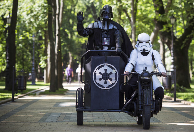 KIEV, UKRAINE - MAY 22: Kiev's mayoral candidate for the Internet Party, 'Darth Vader' arrives to speak to the media on Volodymyrska Hill on May 22, 2014 in Kiev, Ukraine. Ukraine's Presidential elections are to be held on Sunday 25 May, 2014.  (Photo by Dan Kitwood/Getty Images)