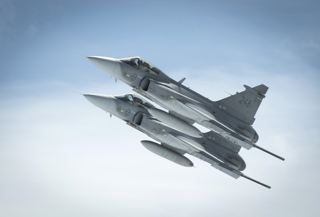 Swiss Fighter Jets Samsung Wants To Force Its