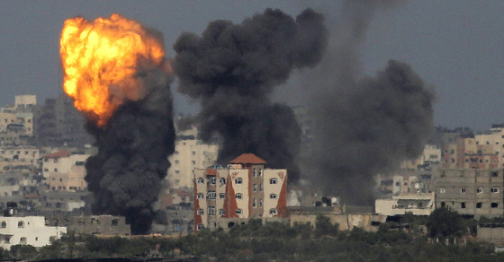 "Here's What Israel's ""Knock-Knock"" Bombing Tactic in Gaza Looks Like"