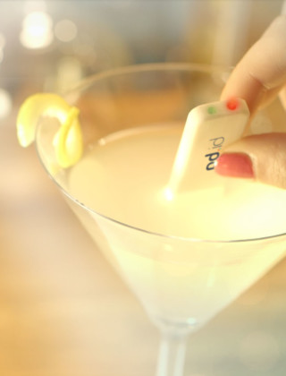 This Gadget Texts You if There Are Date-Rape Drugs in Your Drink