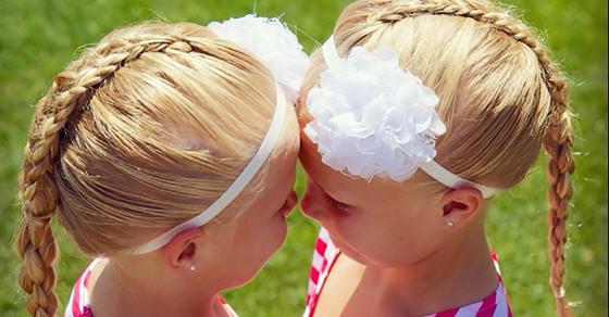 """Twinning"" Is Instagram's Latest Mom Sport"
