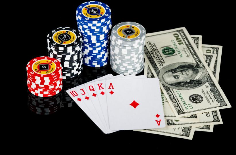 научится играть в покер с помощью видео
