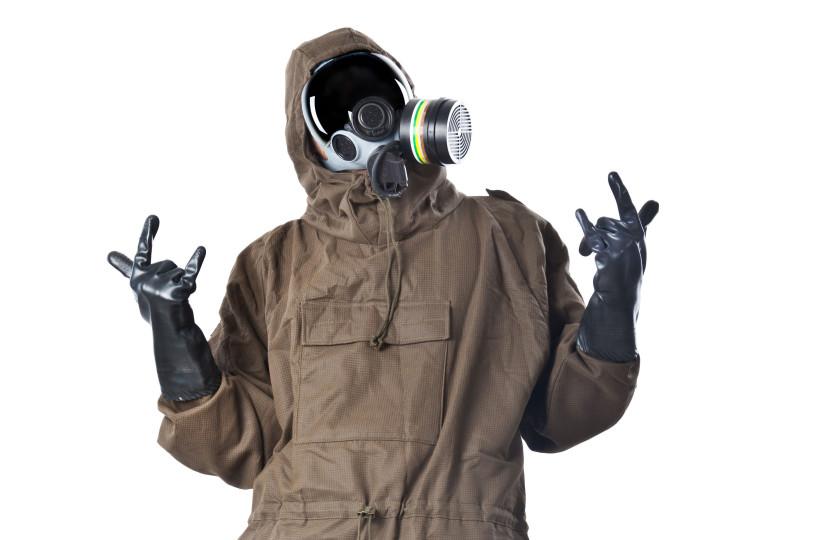 [Image: Ebola-Suits-Hazmat-001519418158.jpg]