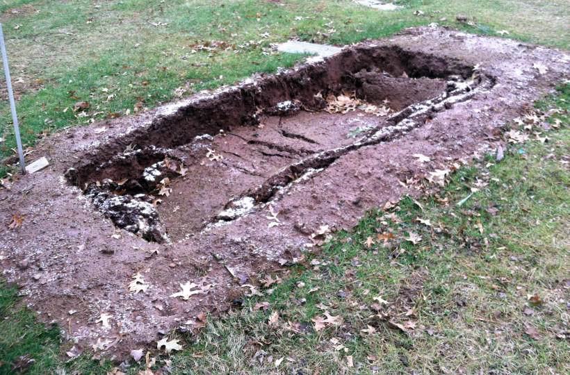 Visit to Eric Garner's Gravesite - Vocativ