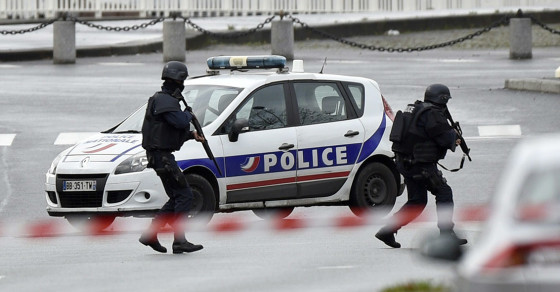 Paris Hostage Dramas End With Police Shoot-Outs