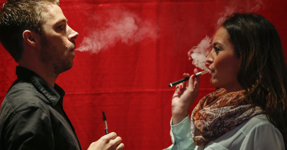 E-Cig Ads May Cause People To Crave Real Cigarettes