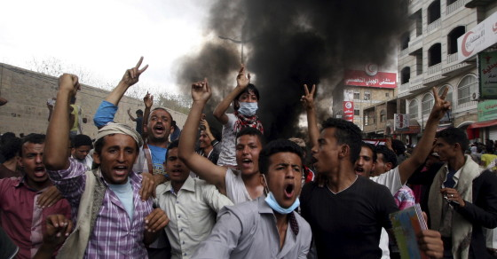 Arab Coalition Bombs Yemen, Attacks The Houthis