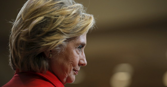 """Hillary's Cybersecurity Woes Turn Into """"Under Clinton"""" on Twitter"""