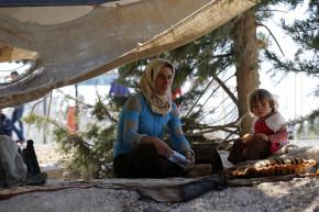 Thousands More Syrian Refugees Arrive At Turkish Border