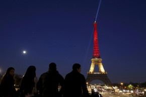 "ISIS Poll: ""What Will Be The Color Of The Eiffel Tower"" Next?"