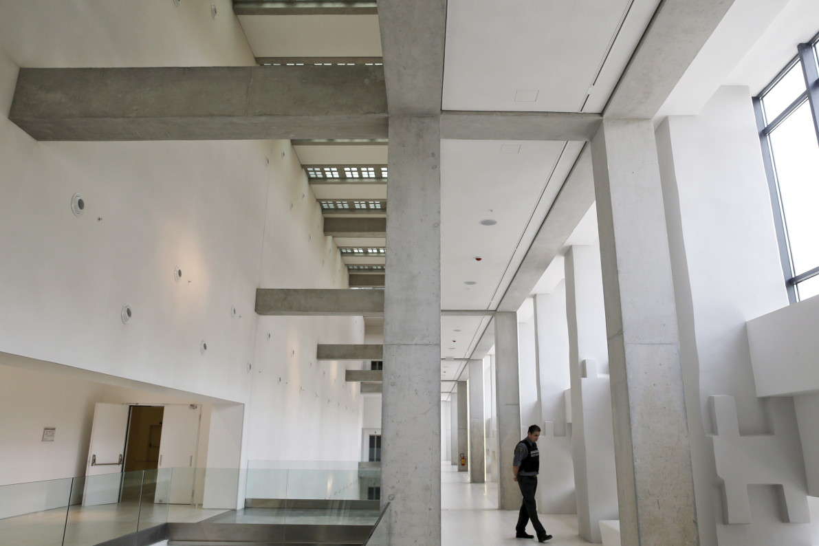 A Tale Of Two Museums: Why Greece's Newest Art Museum Sits ...