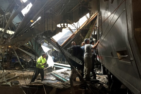New Jersey Train Crash Kills At Least 1, Wounds More Than 100