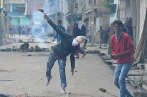 In Kashmir, Conspiracies Fester Under Internet Censorship