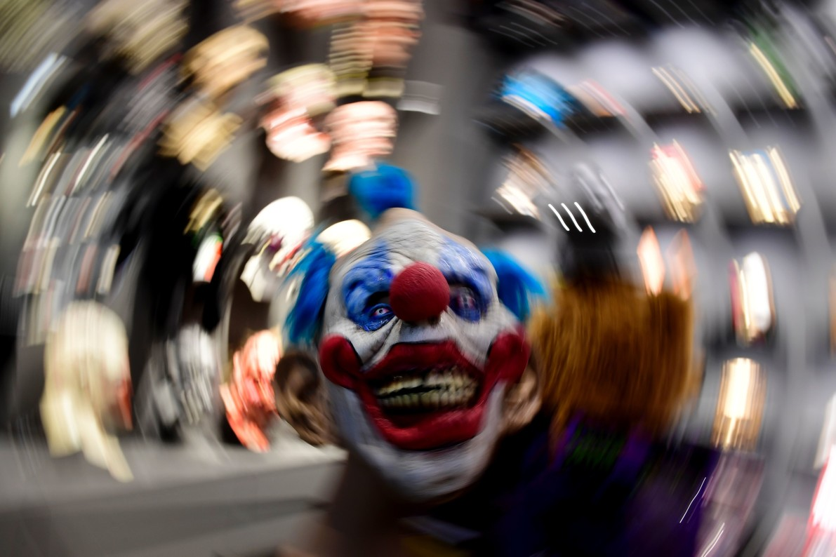 refugees in europe have a new fear killer clowns vocativ