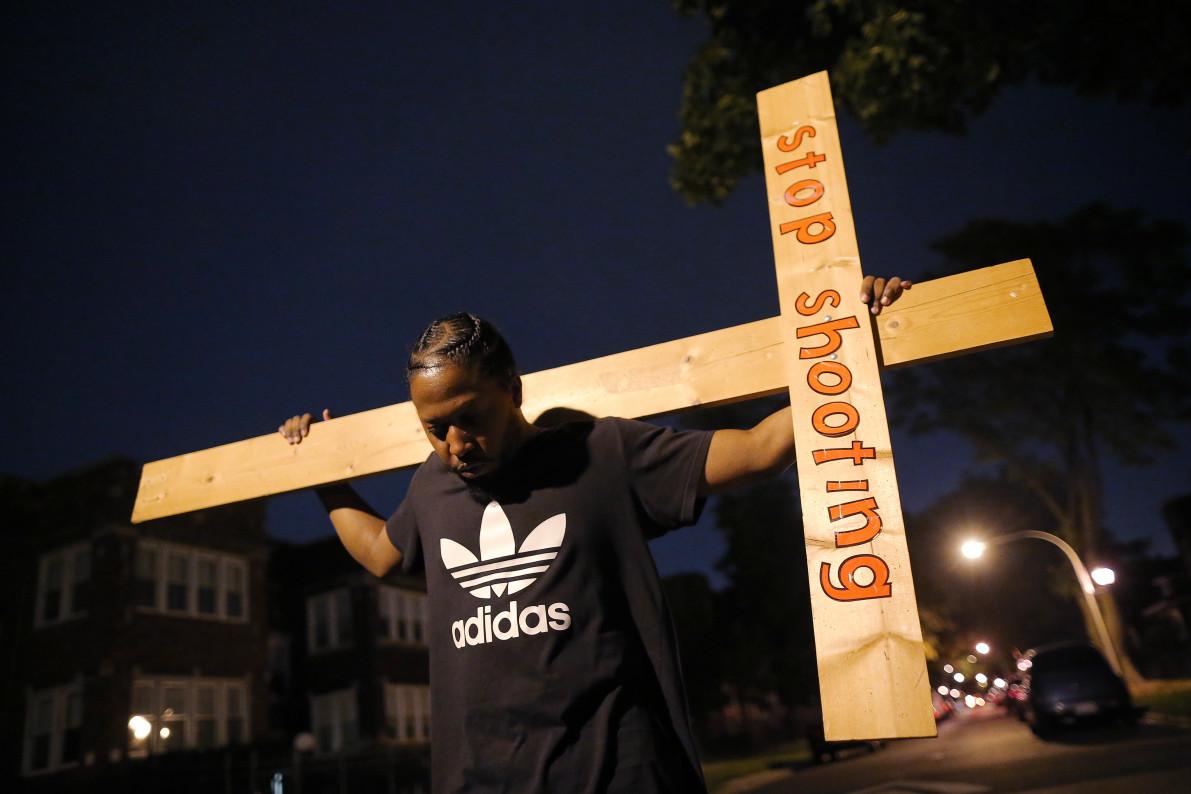 http://media.vocativ.com/photos/2016/12/Chicago-Homicide-Murder-Rate-Highest3755077547.jpg