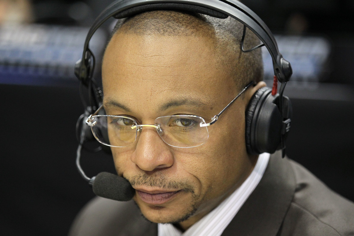 Gus Johnson Said A Stupid Thing About Penn State False Start