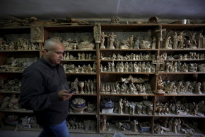 Wood Carving Markets In Bethlehem Flooded With Chinese Fakes