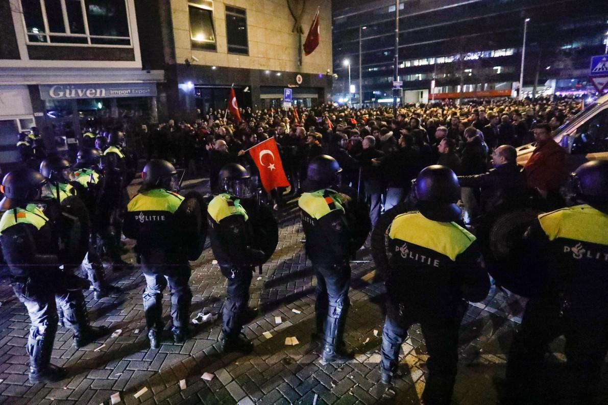 Turkey's Erdogan Calls Dutch `Fascists' After Minister Grounded