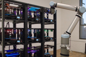 This Robot Operates A Fleet Of 3D-Printers