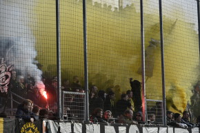 Neo-Nazi Soccer Hooligans Evade Law By Donning Muslim Niqabs