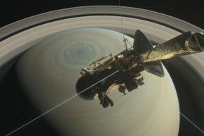 Fly Between Saturn And Its Rings In 360°