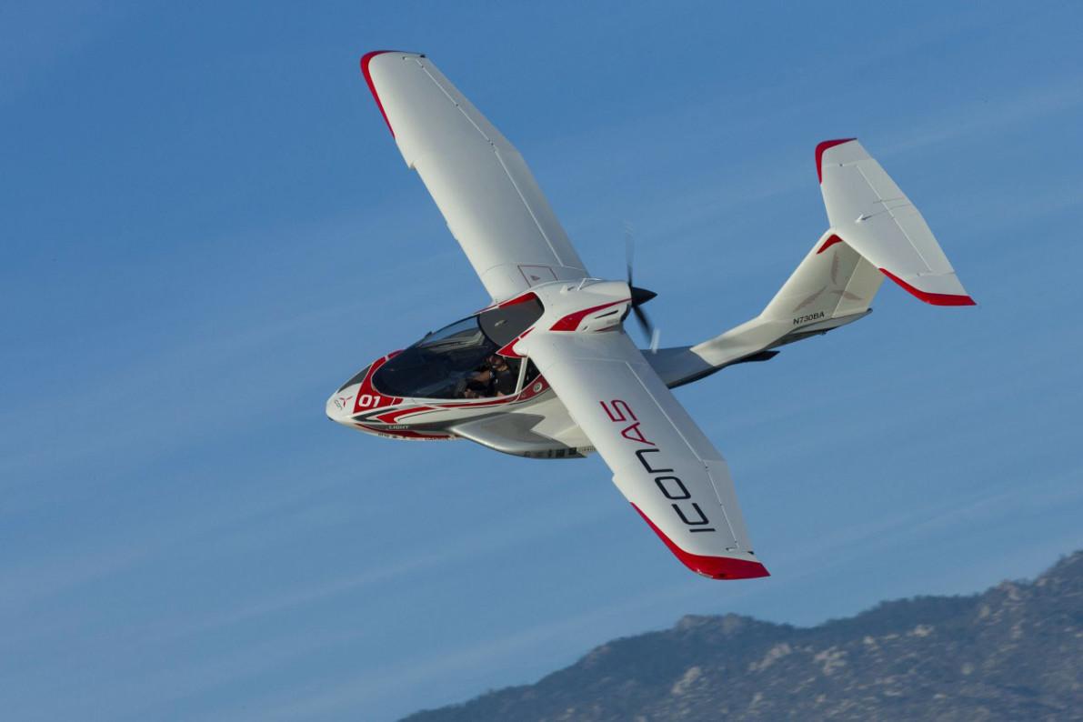 2 killed in small-plane crash near California lake