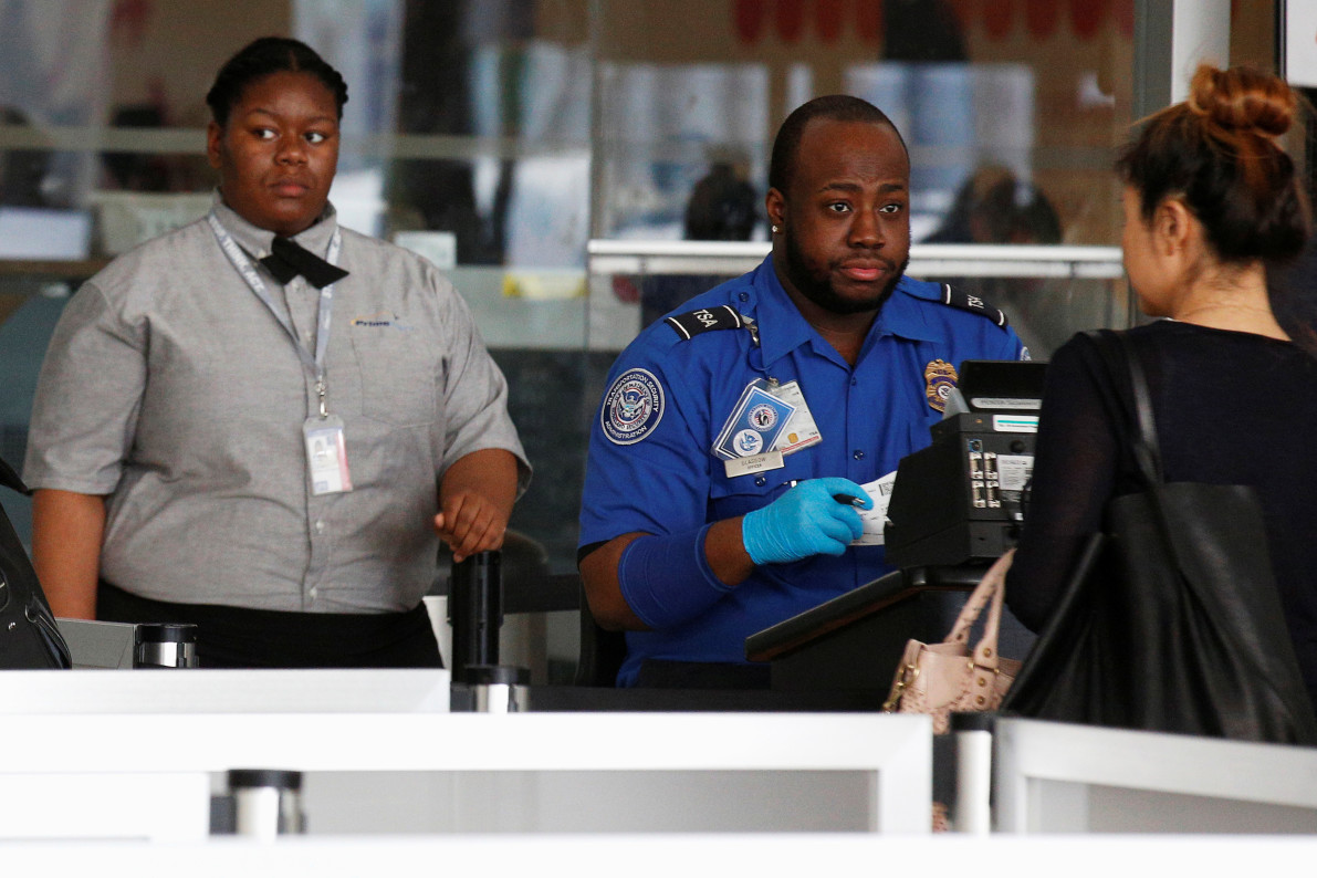 Fingerprint Scans Tested at Two US Airports to Replace IDs