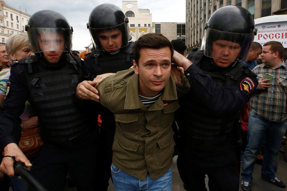 Russian opposition leader arrested ahead of anti-corruption rallies