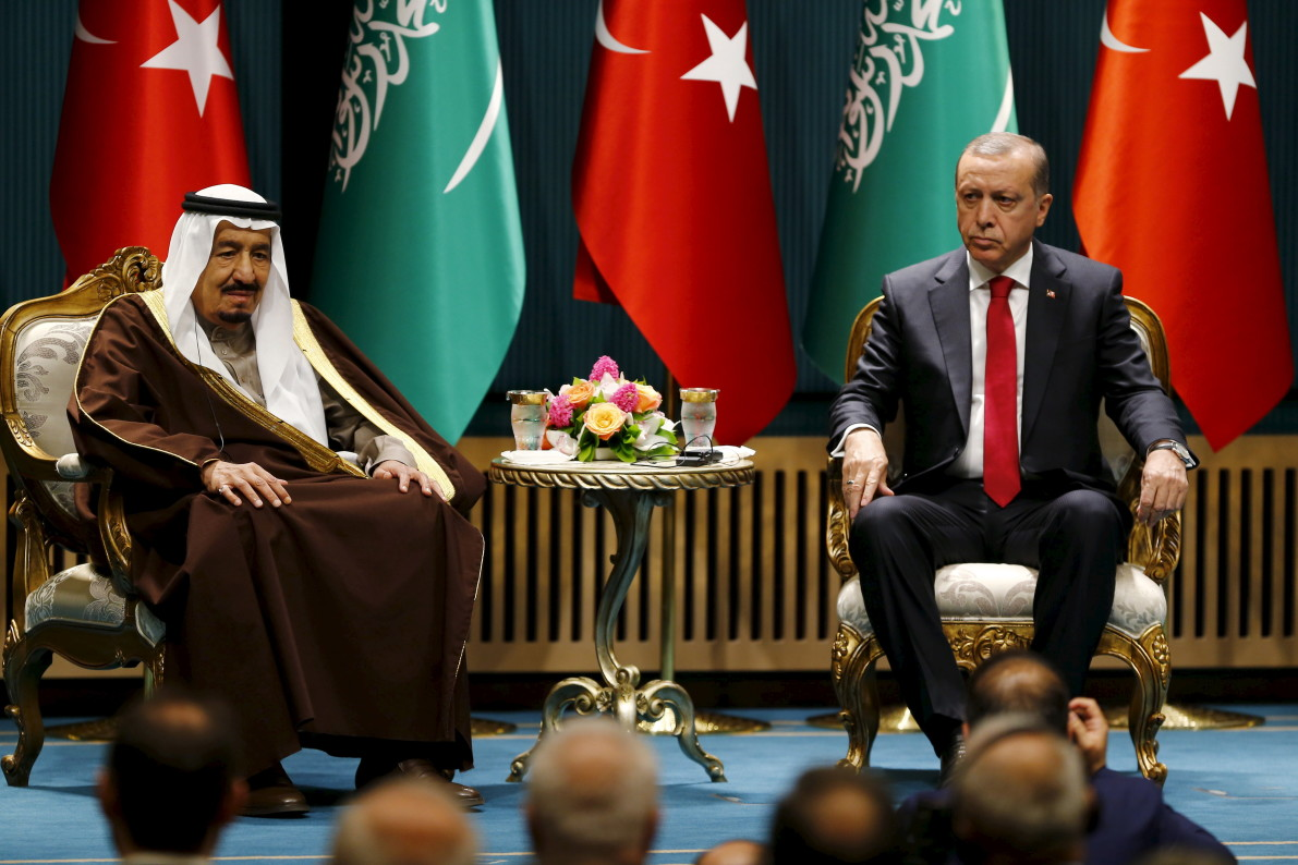 Turkey's Erdogan calls for lifting of Qatar blockade, approves troop deployment