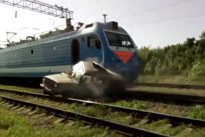 Russia To Citizens: Don't Cross The Train Tracks