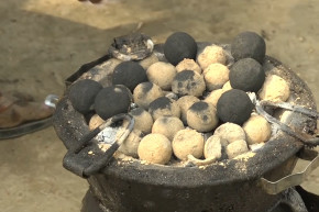 How Kenyans Turn Poo To Cooking Fuel
