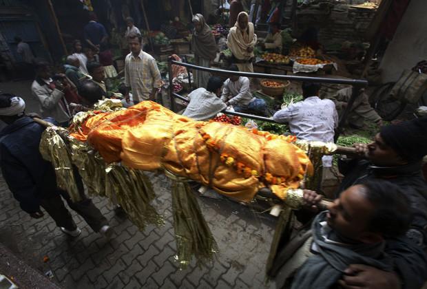 Varanasi Cremation 03