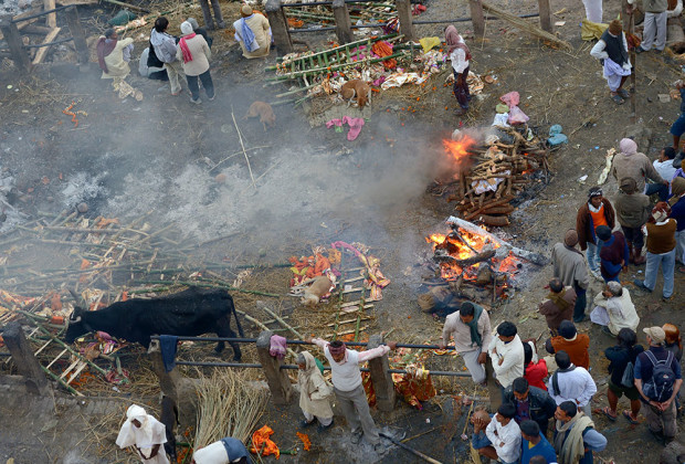 Varanasi Cremation 06