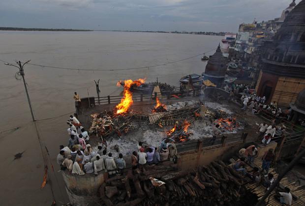 Varanasi Cremation 10