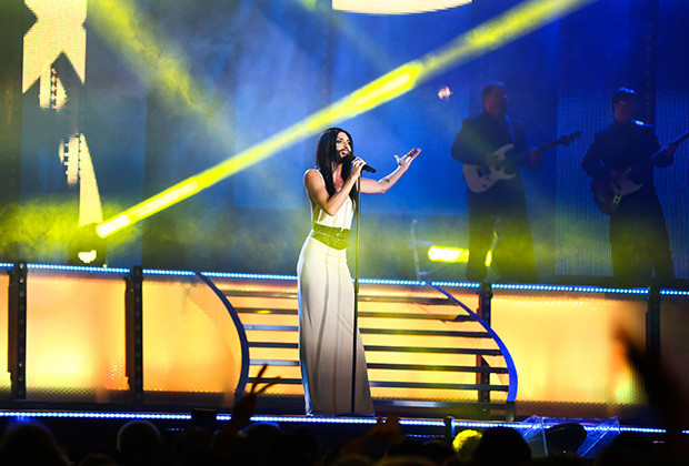 ROSSATZ, AUSTRIA - SEPTEMBER 21: Conchita Wurst performing at the 'Starnacht aus der Wachau' on September 21, 2013 in Rossatz, Austria.  (Photo by Moni Fellner/Getty Images)