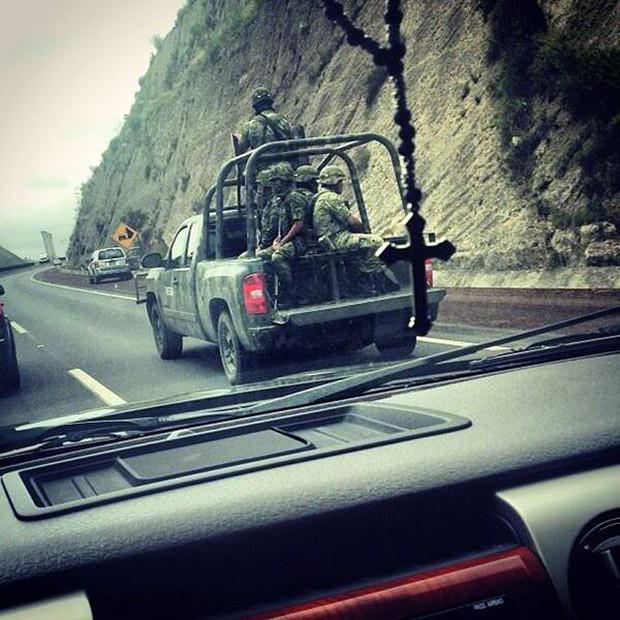 Alfredo_military_escort Twitter
