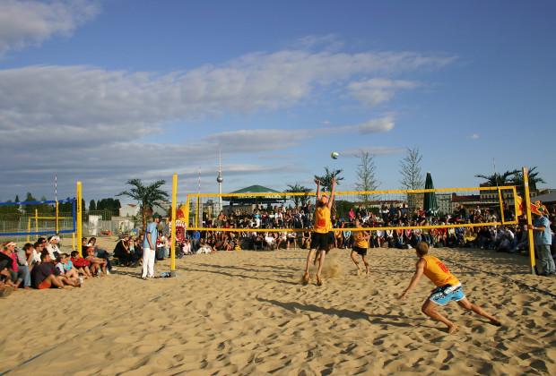 Berlin Beach Volleyball Craze 06