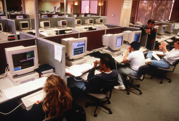 322702 11: Students use computers at Stanford University March 15, 1997 in San Francisco, CA. Since the beginning of the 1990s San Francisco has become the place where communication of the 21st century is invented and new computer startup companies flourish. (Photo by Eric Sander/Liaison)