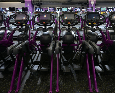 """woman ejected from planet fitness gym for being """"too toned"""