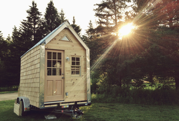 Tiny House Dating 01