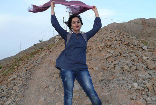 Iranian Women Shed Veil 02