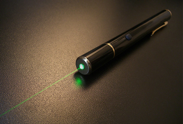 Green Laser Pointer Infiniti Series.                    Don?t let the classic good looks deceive you; these lasers are powerful?very powerful. The Infiniti series is a consistent eye-catcher and commands complete attention wherever you use it.